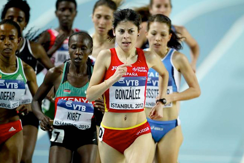Paula González Berodia, embajadora de Enervit Sport, en una carrera